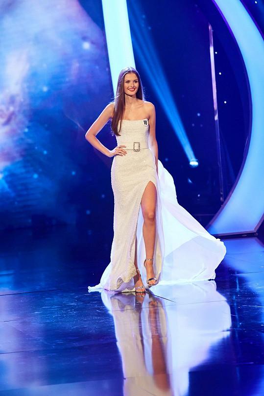 Získala titul Miss Earth Water.