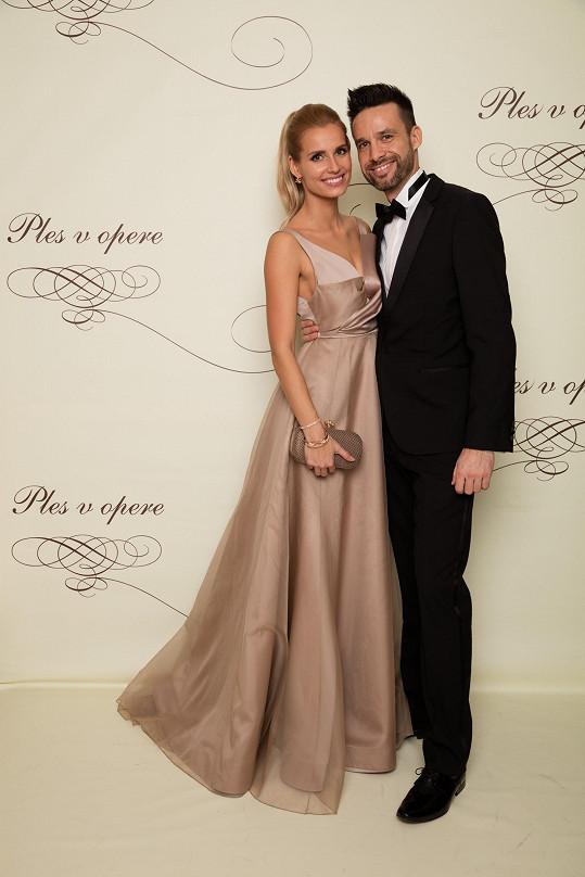 Moderátor Roman Juraško a jeho kolegyně, která je zároveň jeho partnerkou, Diana Hágerová tvořili úhledný pár.