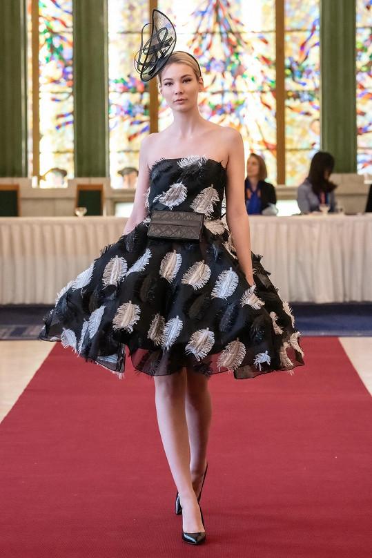 Během přehlídky české návrhářky vypadala slovenská kráska kouzelně.