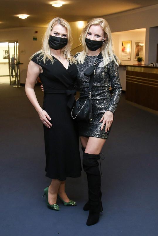 Muzikálové zpěvačky Elis Ochmanová a Nikola Ďuricová.