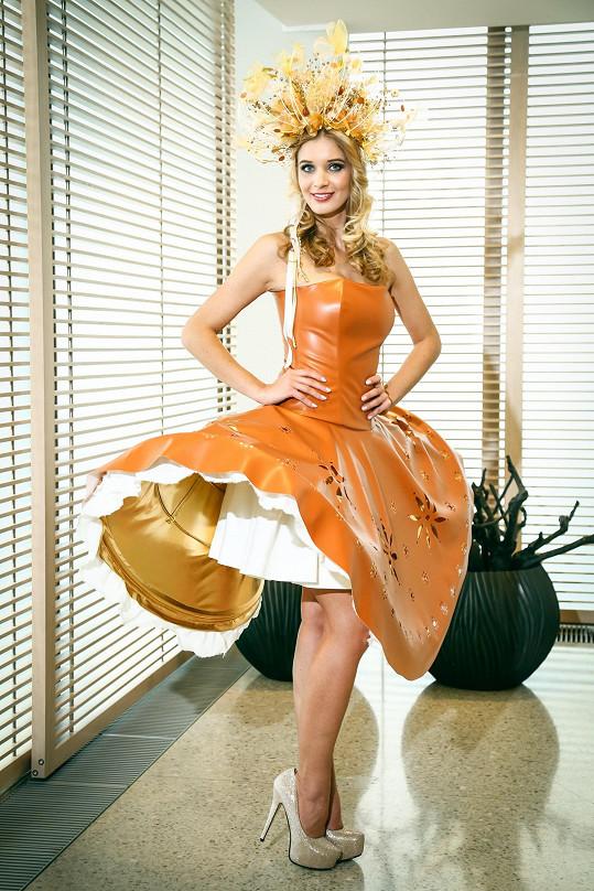 Gábina si vezla na Floridu netradiční šaty.