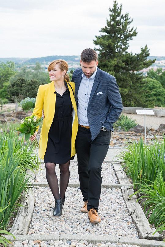 Manželé Koukalovi se procházeli po botanické zahradě.