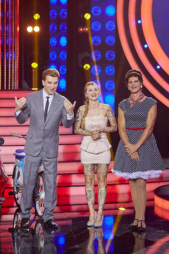 Janek Ledecký s rapperkou Sharlotou a Ondřejem Sokolem