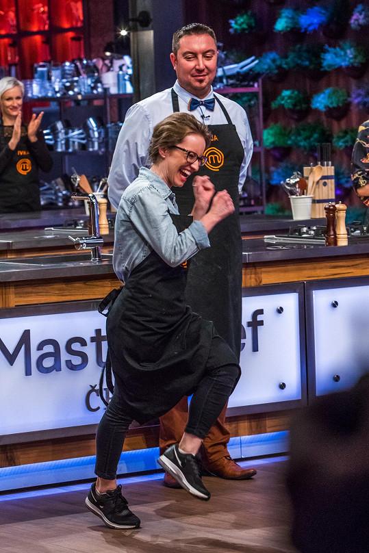 """Podle Ondřeje Slaniny je vaření v MasterChefovi """"jeden velký kuchařský podvod"""". Nova to nenechala bez odpovědi."""
