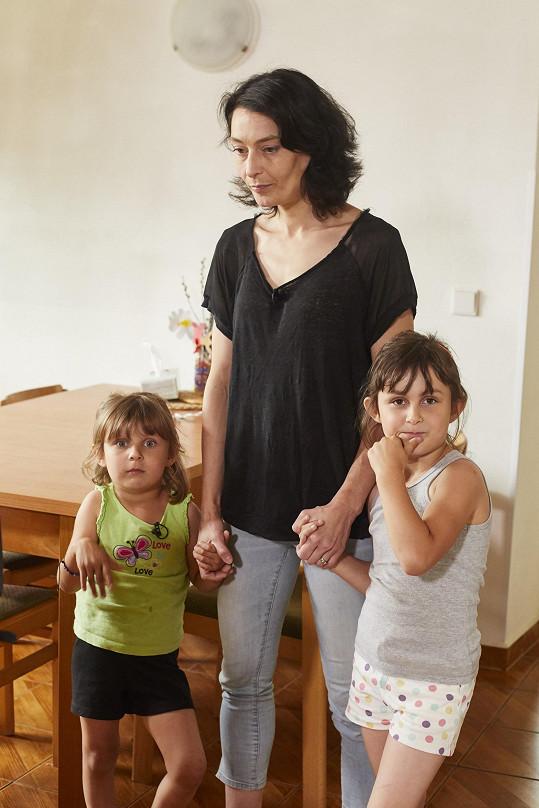 Tereza bude pomáhat Rozině a jejím dcerám.