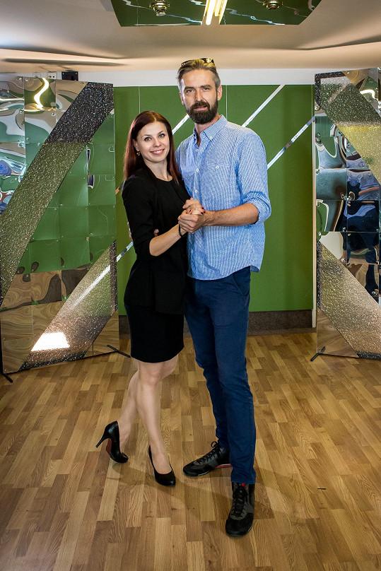 Roman Zach bude tančit s Anetou Třeštíkovou.