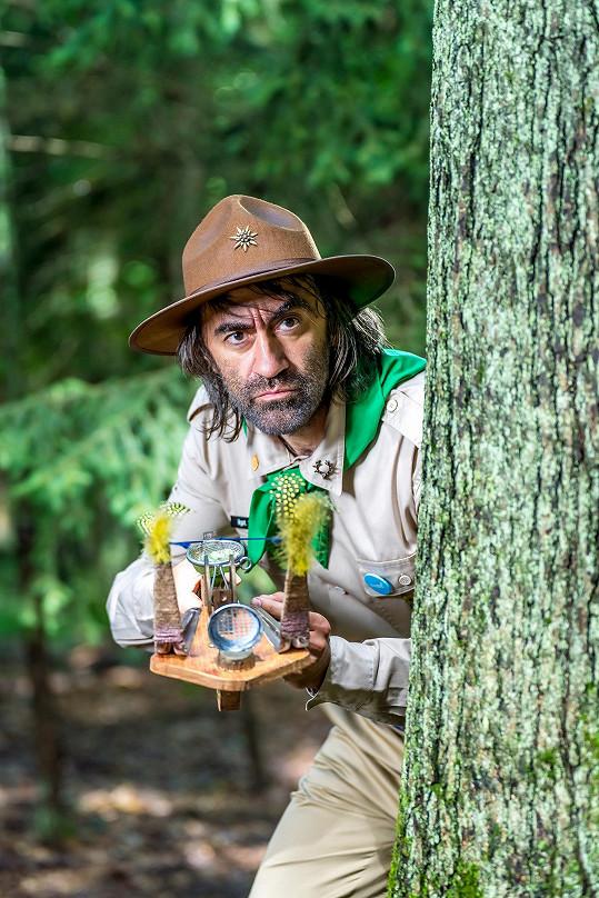 Hlavní postavou projektu je kapitán Hejkal. Této komické role, která po hříšnících v lese střílí sliz, se Jakub s chutí ujal.