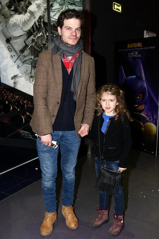 Adam Kraus zašel do kina s dcerkou Isabell