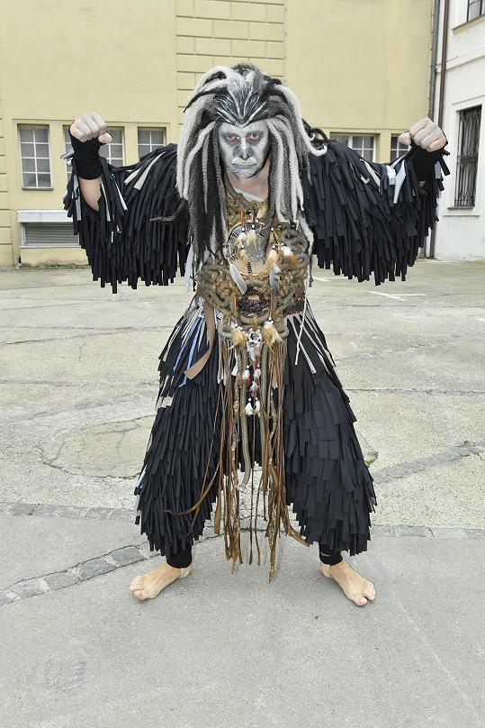 Marina Vojtko v kostýmu gorily