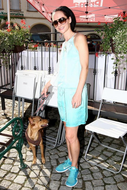 Přesídlila i se svým psem na Moravu...