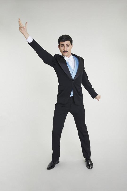 Marek jako Freddie Mercury