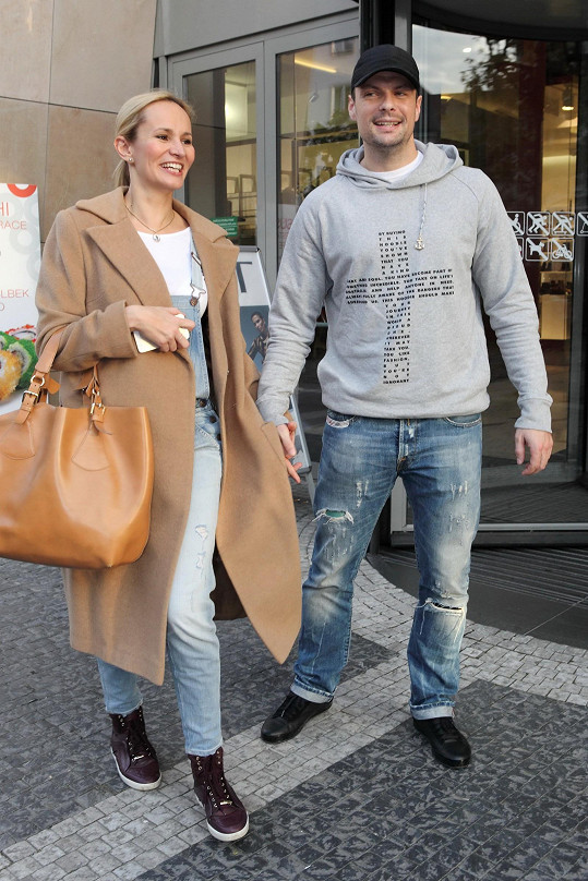 Monika Absolonová a Tomáš Horna jsou zamilovaní až po uši.