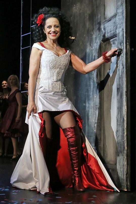 Svůj temperament předvádí i v muzikálu Carmen.