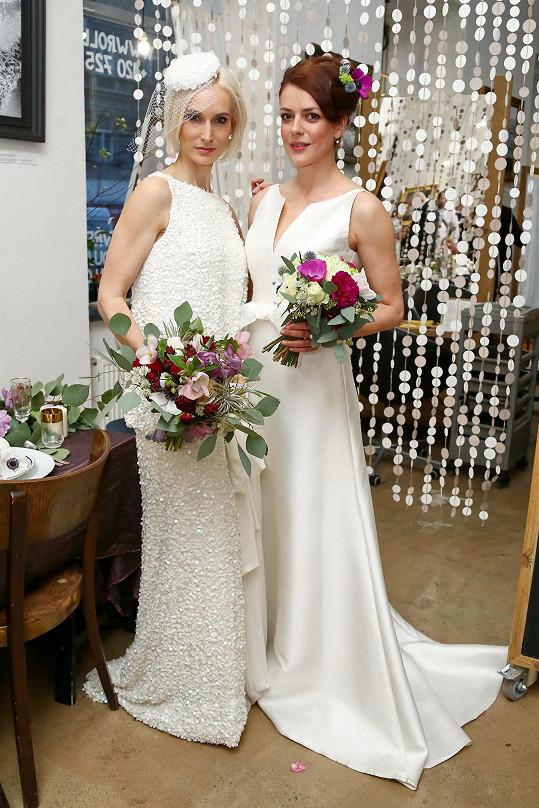 Role nevěsty se nezhostila pouze Bára, ale do svatebních šatů se oblékla třeba i Andrea Kerestešová.