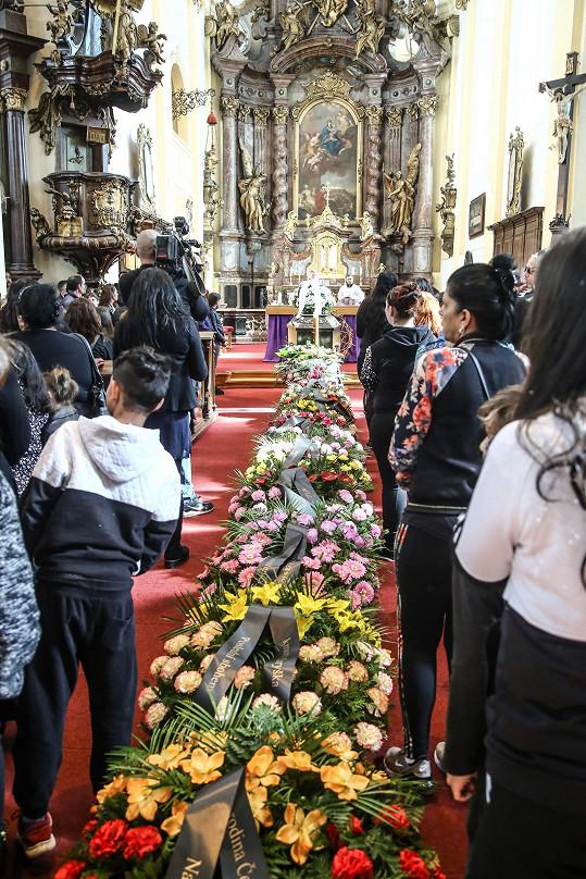 Smuteční obřad se konal v rokycanském římskokatolickém kostele Panny Marie Sněžné.