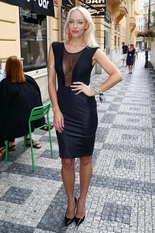 Kateřina Mátlová si může dovolit vzhledem ke své skvělé postavě obléci cokoli.
