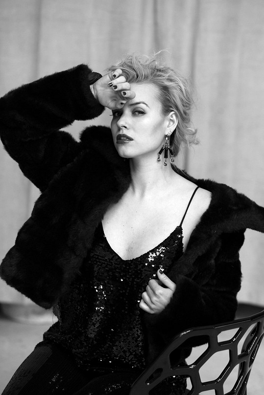 Herečka nafotila sérii sexy snímků.