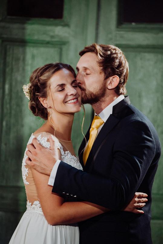 René dal do svatebního experimentu všechno a nic prý nehrál.