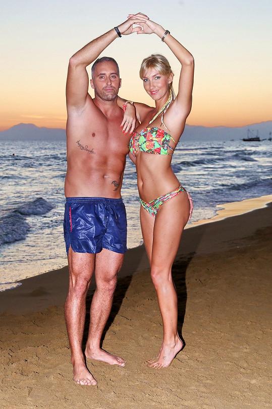 Dominika Mesarošová je s přítelem Markem šťastná.