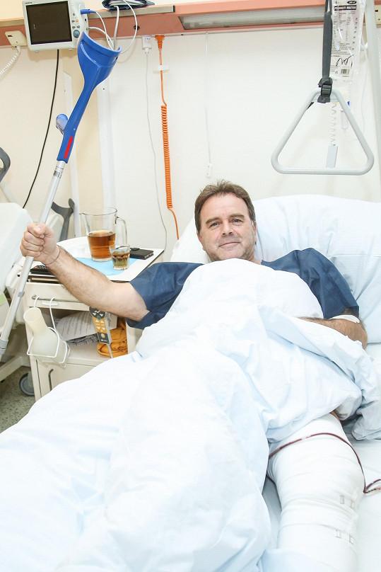 Jakub Smolík podstoupil operaci kolene.