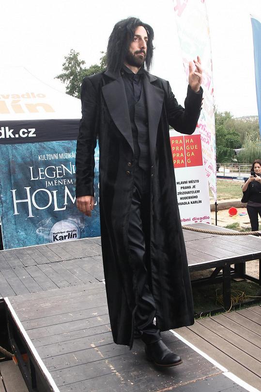 V divadle je to pestřejší. Takhle bude vypadat jako profesor Moriarty v muzikálu O Sherlocku Holmesovi v Hudebním divadle v Karlíně.