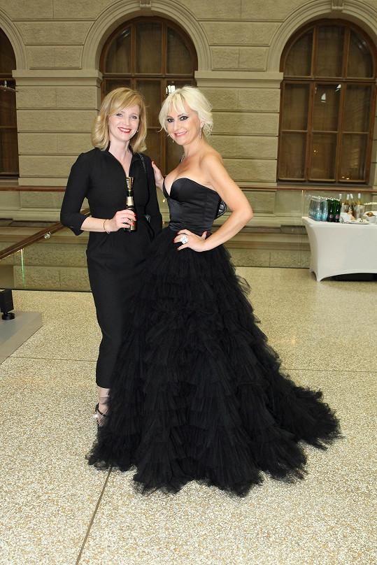S Aňou Geislerovou jsme si povídali na gala večeři v Národním muzeu organizované Barbarou Nesvadbovou pro Be Charity.