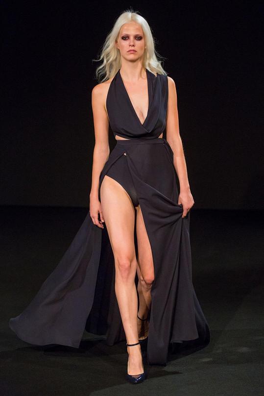 Na přehlídce Lukáše Lindnera v rámci Mercedes Benz Prague Fashion Weeku v roli modelky