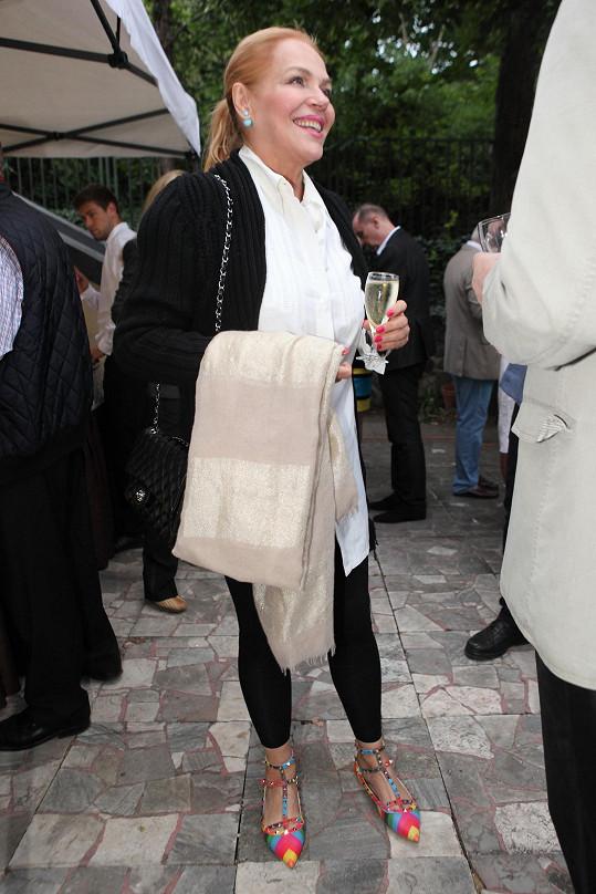 Dagmar Havlová nechyběla na zahradní slavnosti producenta Borka Severy.