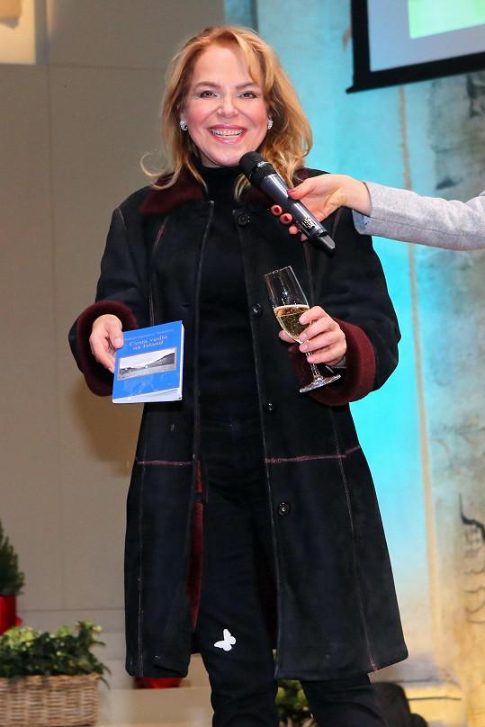 Dagmar Havlová už potřinácté pořádala Mikulášský charitativní bazar.