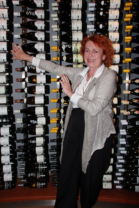 Iva je velkou znalkyní a milovnicí vína.