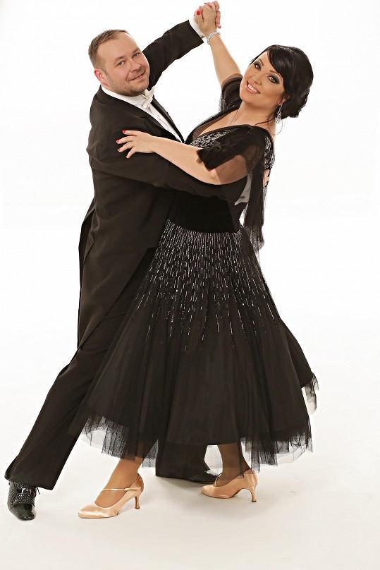 Takhle vypadá se svým tanečníkem na oficiální fotce