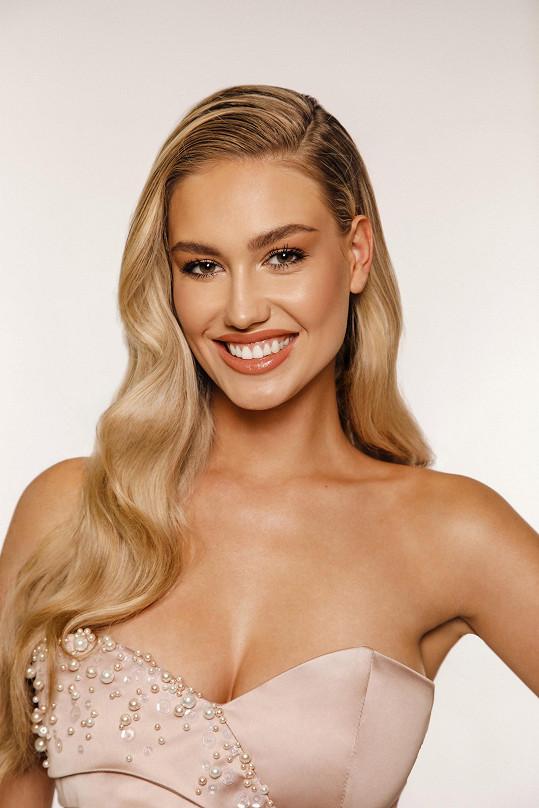 Adéla Štroffeková nás bude reprezentovat na světové soutěži Miss Earth.