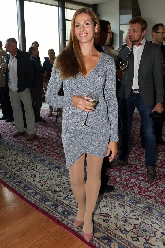 Kateřina Baďurová je štíhlá jako proutek.