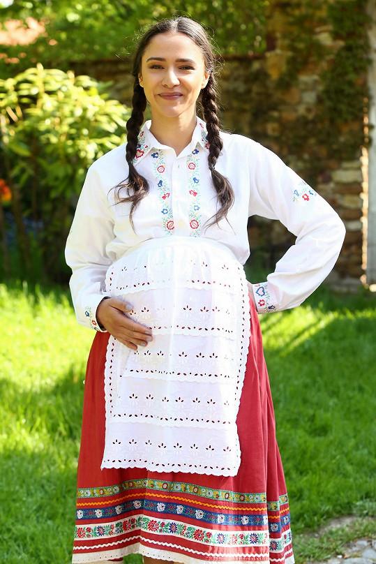Eva Burešová s těhotenským bříškem