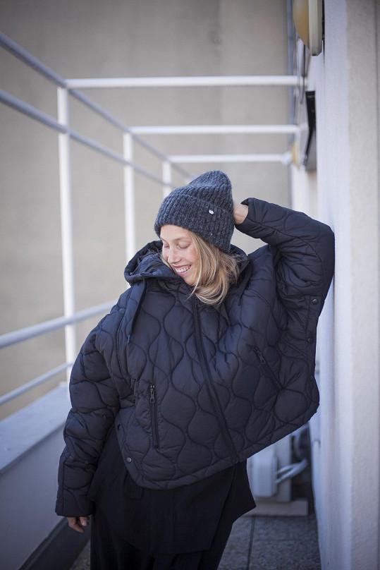Aneta se připravuje na podzim a zimu. Přišla okouknout novou kolekci švédského módního řetězce.