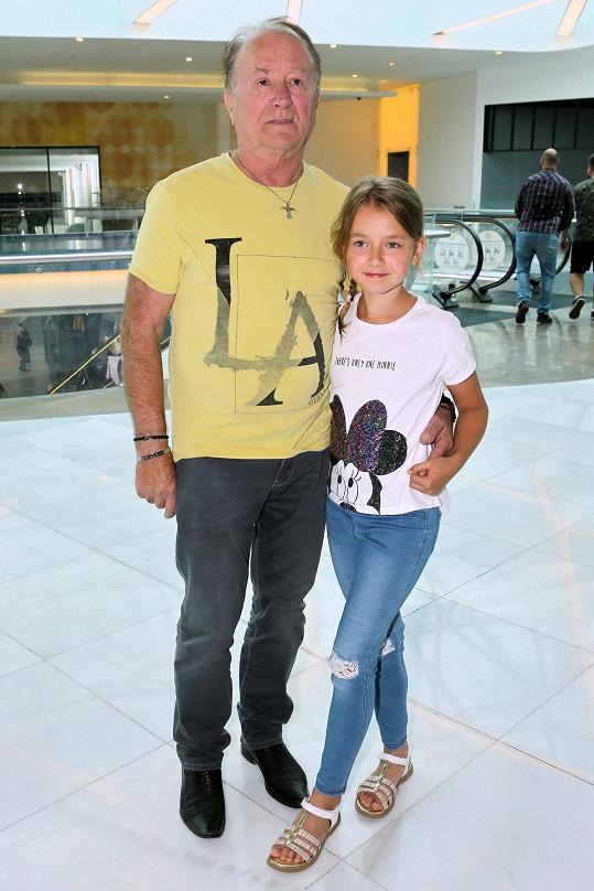 Dcera Rozárka půjde v září poprvé do školy.