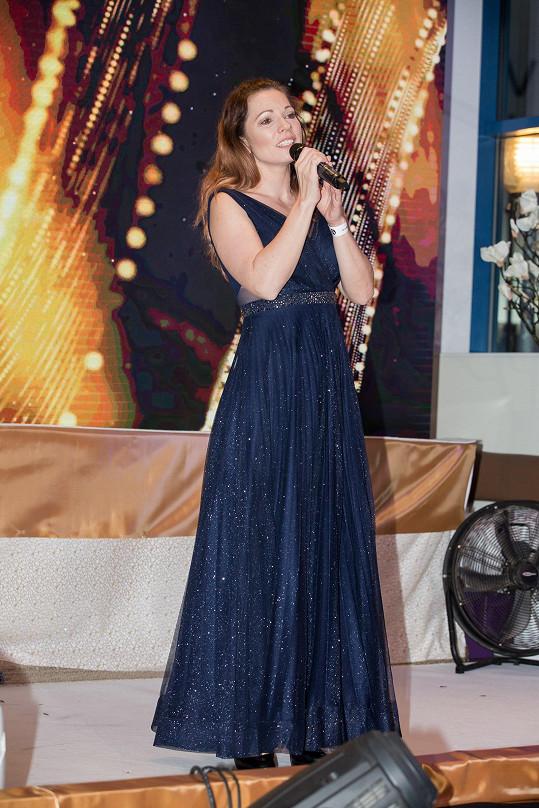 Míša na akci také zpívala.