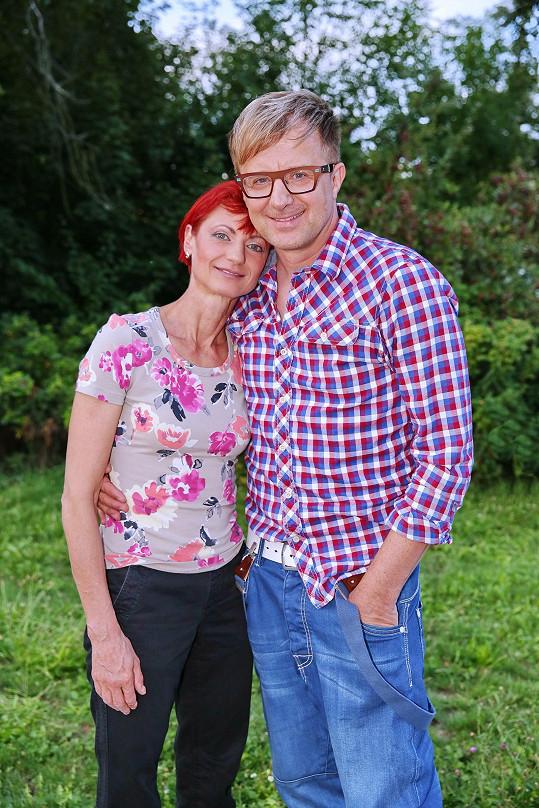 Petr Kotvald s manželkou Hanou. Mají spolu dvě dospělé děti, Viktorii a Mikuláše.