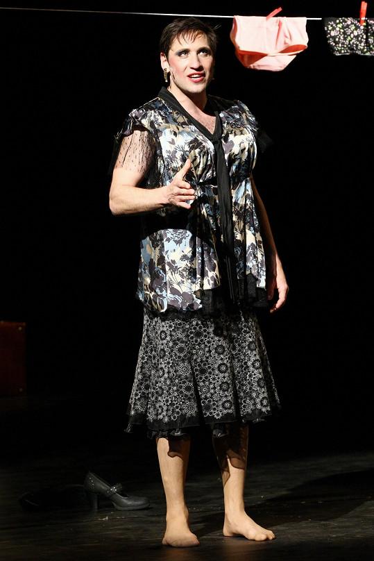 Martin Písařík si prý v ženské roli užíval.