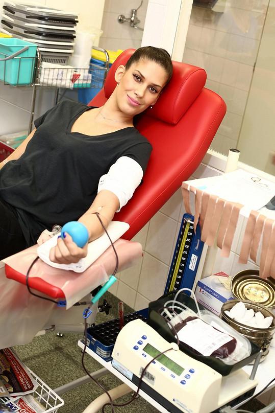 Mezi bezplatné dárce krve se nově řadí i Miss České republiky 2009 Aneta Vignerová.