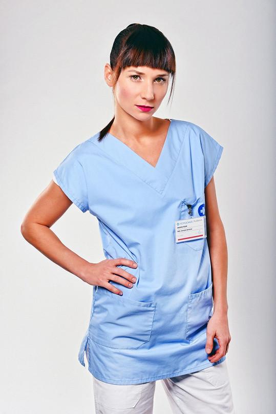 Sandra Nováková si v seriálu Modrý kód zahraje lékařku.