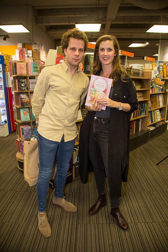 Kmotry nové pohádkové knihy byli Jan Onder a Jana Bernášková.