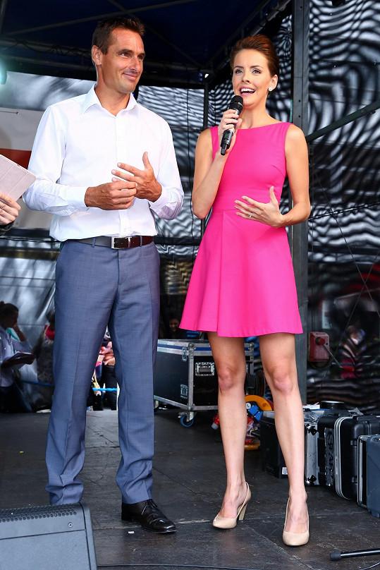 S Romanem Šebrlem tvoří sympatický moderátorský pár.