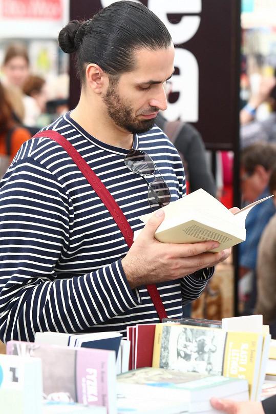 Vladko je velkým fanouškem literatury.