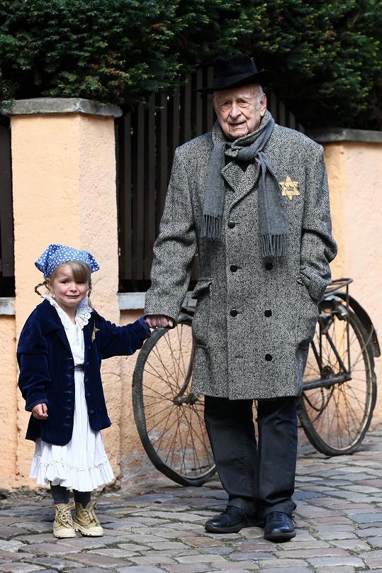 Stanislav Zindulka si zahrál dědečka, který musí odejít do koncentračního tábora.