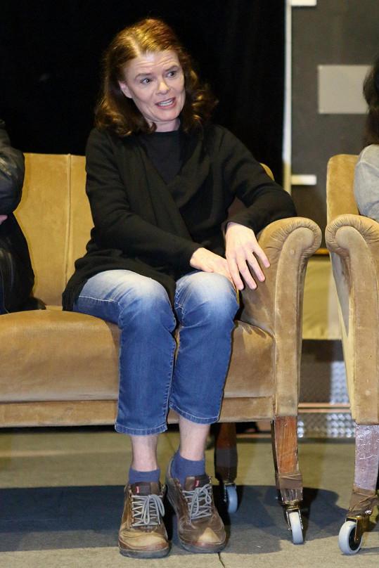 Zuzaně to slušelo, měla si ale raději vzít vyšší ponožky.
