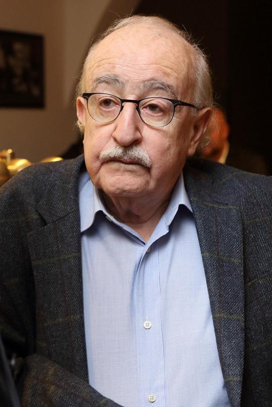 Filmový režisér zemřel v neděli 8. dubna.