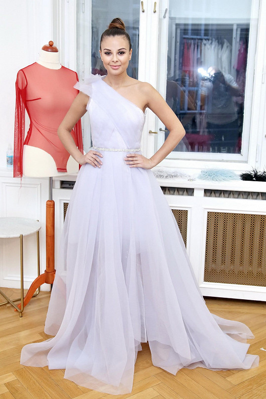 Na zkoušce šatů na Česko-Slovenský ples promluvila o své lásce.
