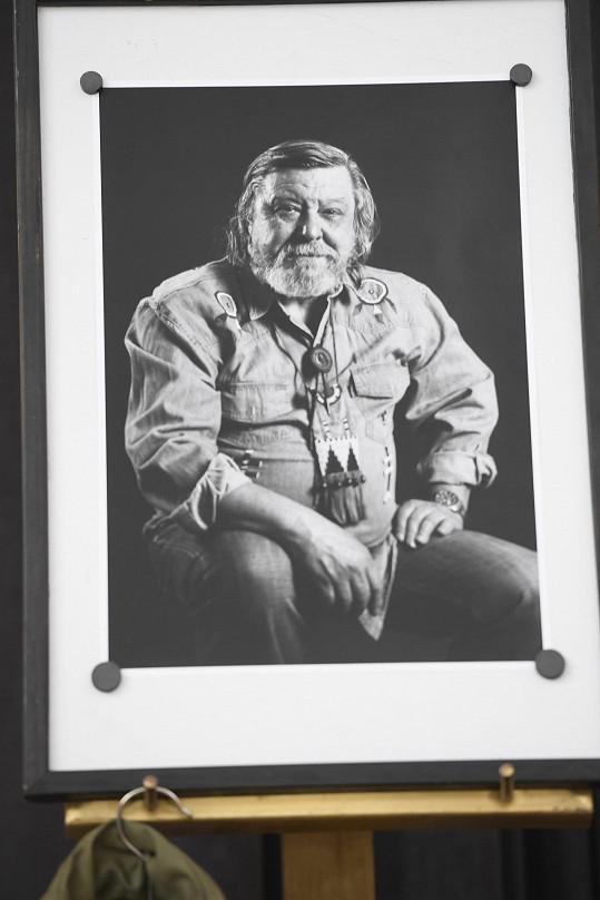 Tony Linhart zemřel 8. ledna.