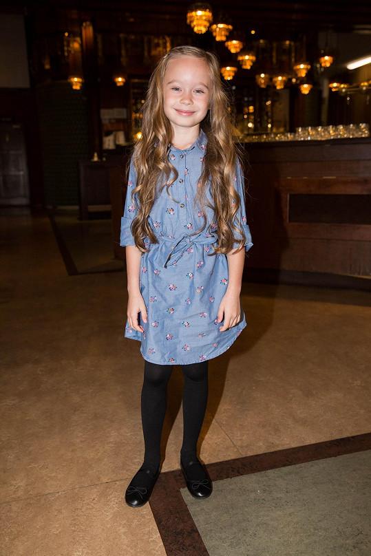 Valentýna Bečková (8) je talentovanou začínající herečkou.